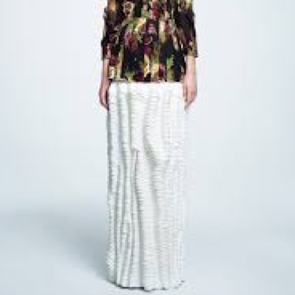 H&M Dresses & Skirts - H&M x Eddy Anemian 2014 Design Awards Skirt